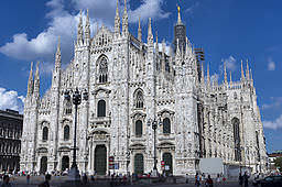 Una corrispondenza solo molto approssimata è quella dei CAP Milano con i quartieri della città lombarda